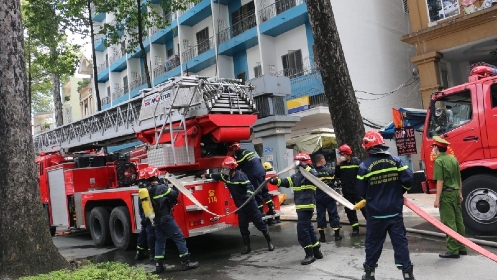 Kịp thời dập tắt vụ cháy ở KTX Trường ĐH Kinh tế TP.HCM