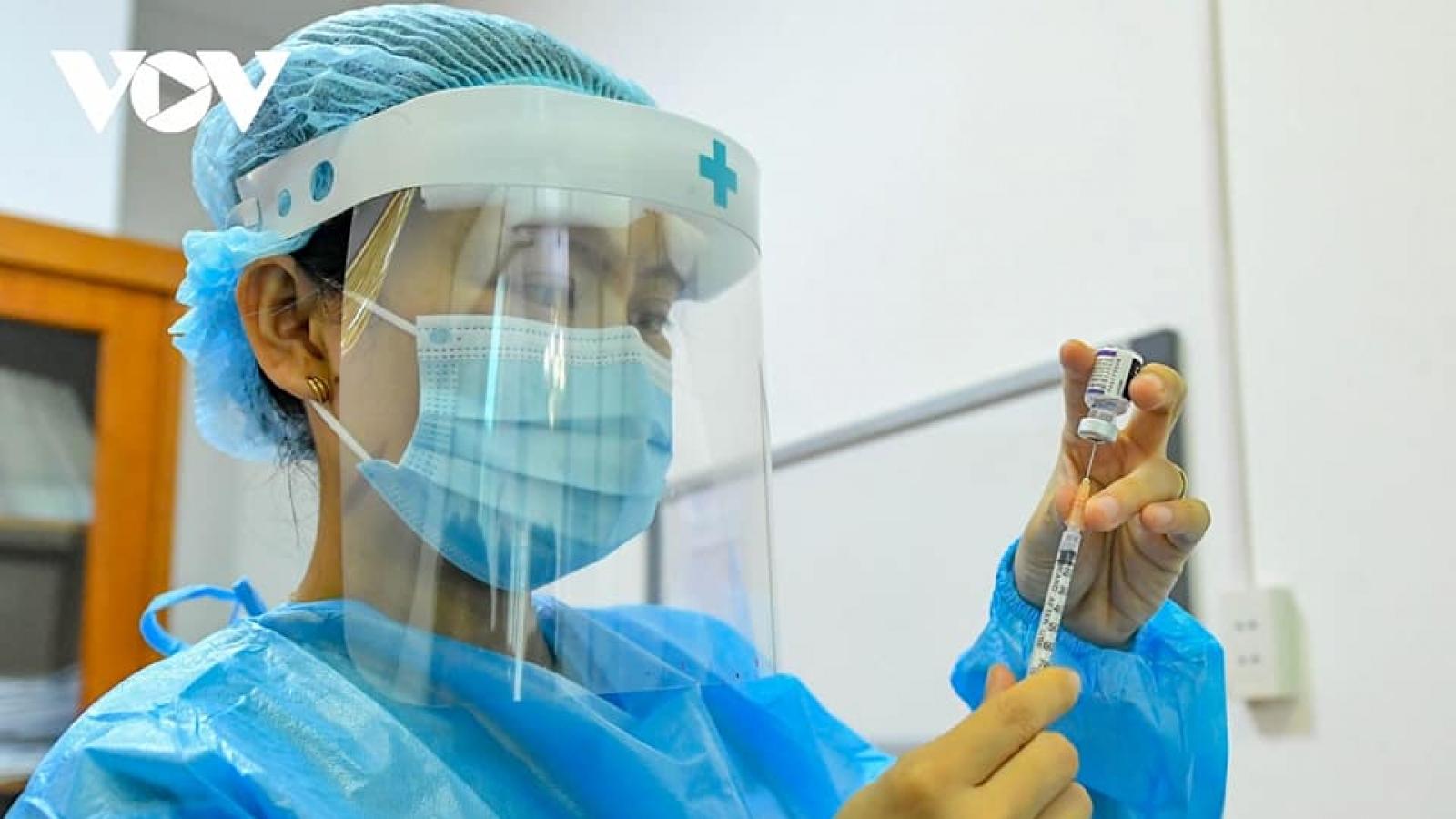 Ngày 25/10, hơn 1.300 bệnh nhân COVID-19 đượccông bố khỏi bệnh