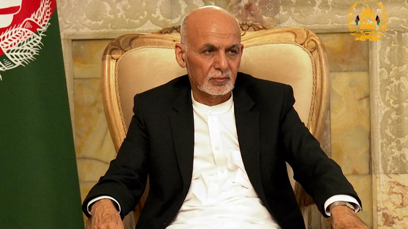 """""""Bị quản thúc 31 tiếng"""": Hé lộ cuộc chạy trốn khỏi đất nước của cựu Tổng thống Afghanistan"""