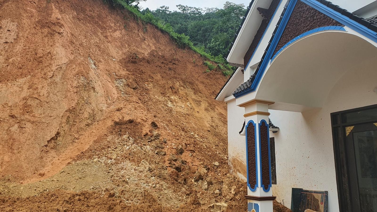 Hơn 60 ngôi nhà ở Yên Bái bị thiệt hại do hoàn lưu bão số 8