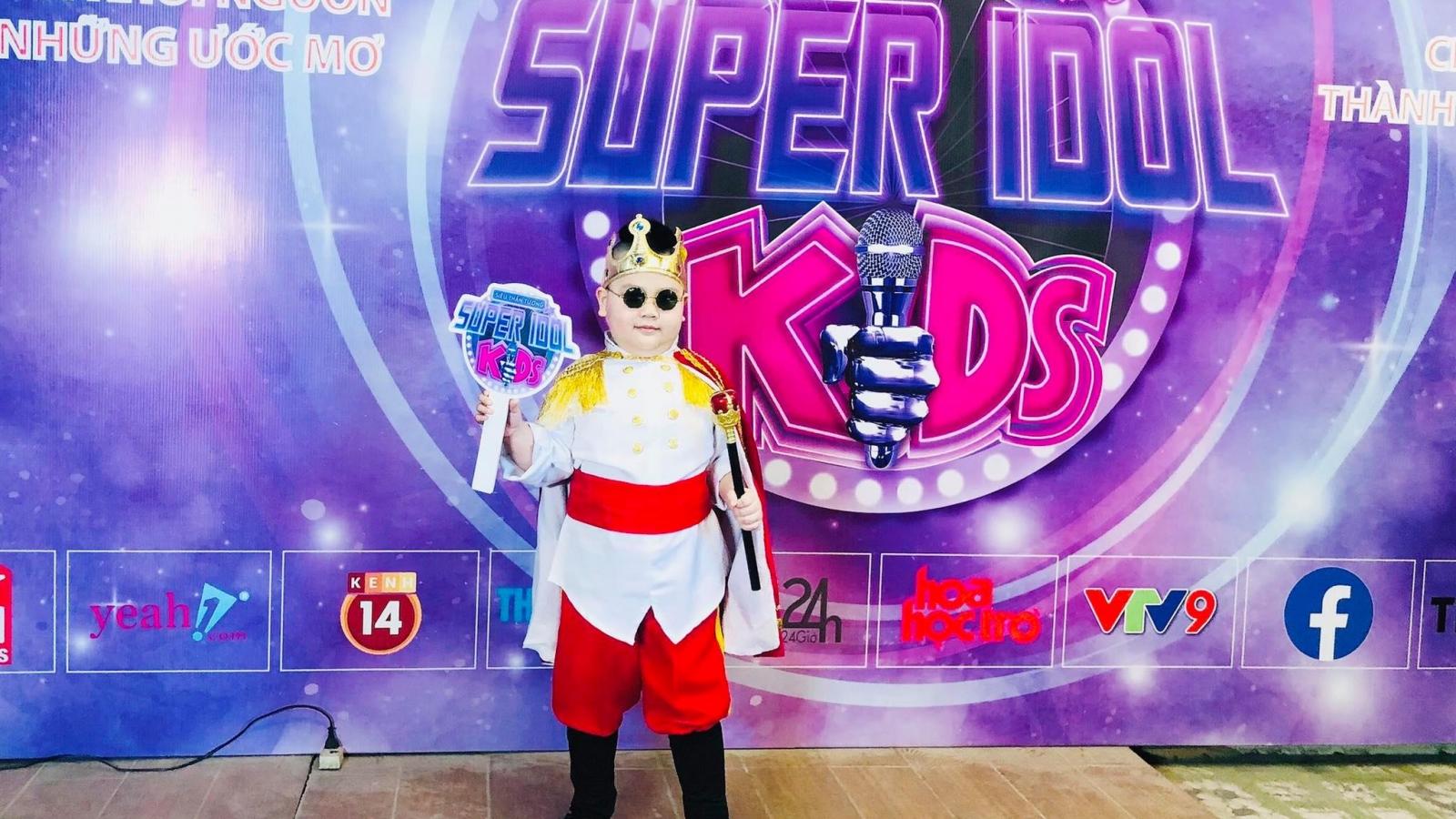 """Super Idol Kids 2021: """"Hoàng tử nhí"""" Bùi Nguyên Gia Bảo lọt top 30"""