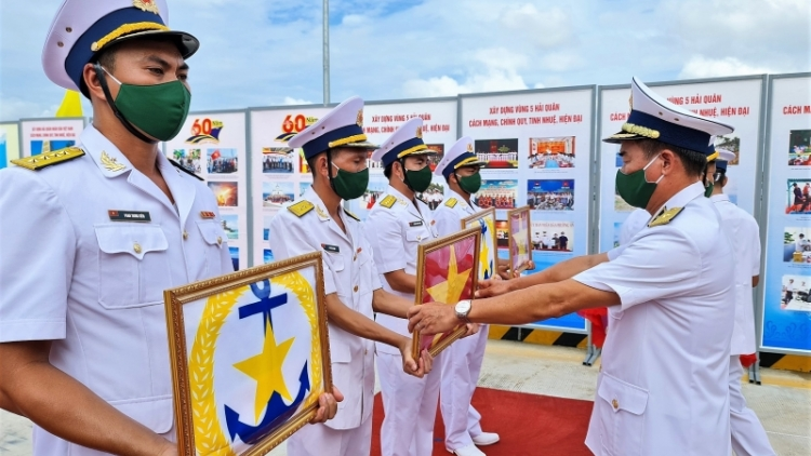 Lễ Thượng cờ 4 tàu vận tải đổ bộ đa năng RoRo – 5612