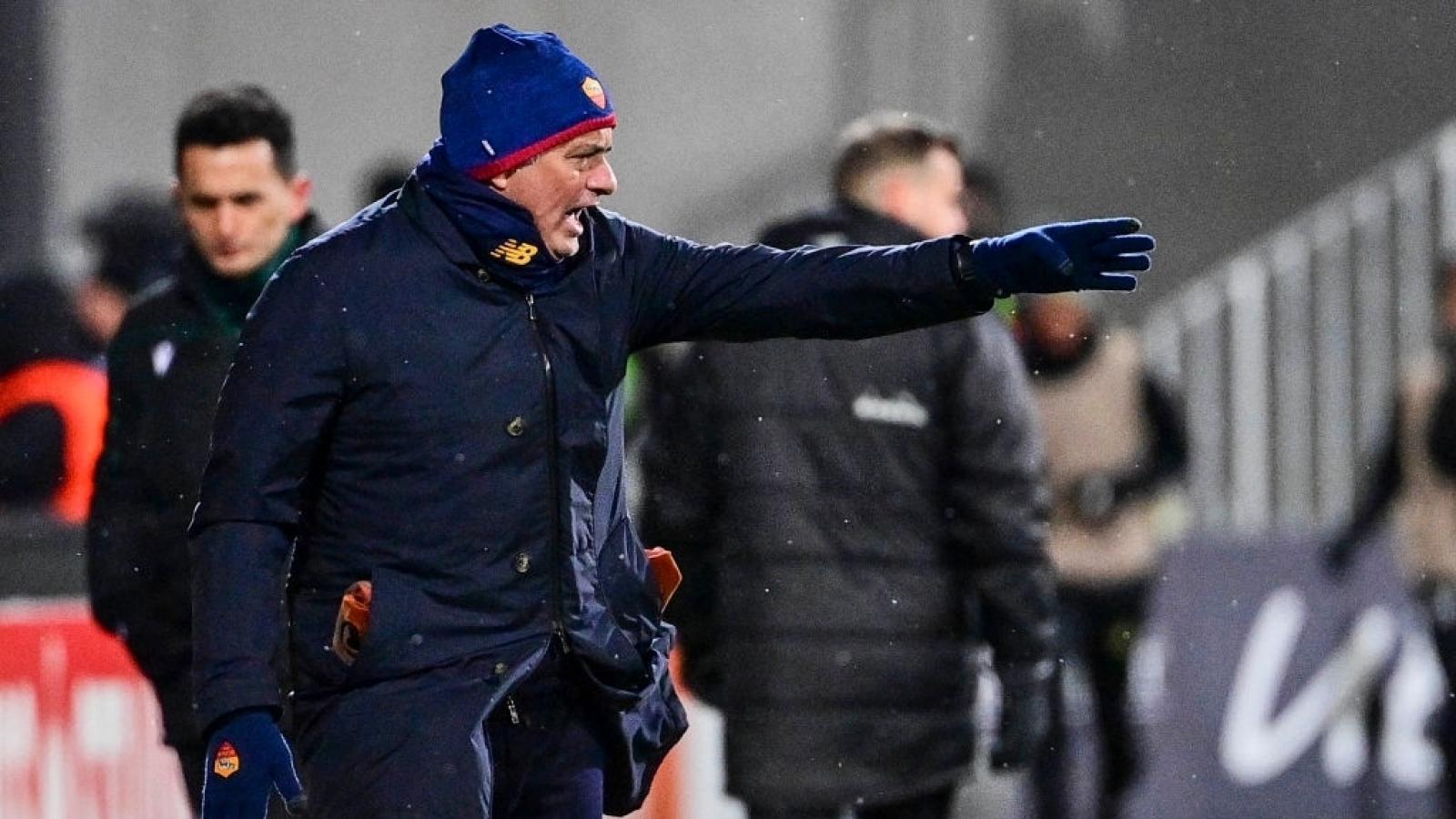 AS Roma thua đậm, HLV Mourinho lên tiếng về công việc ở Newcastle