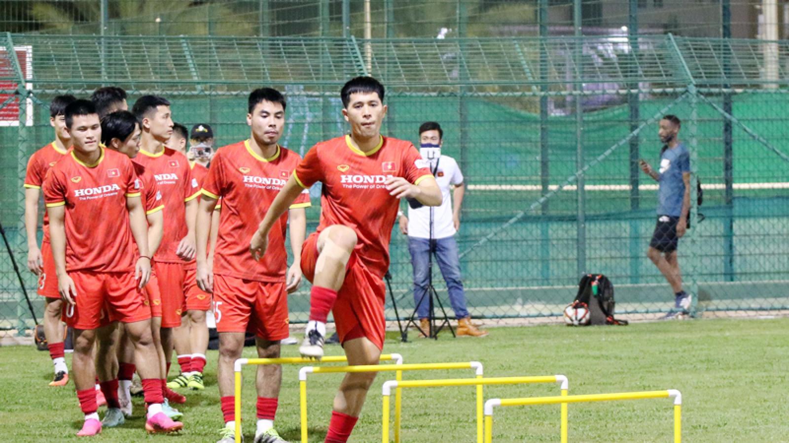 Vietnam national team train hard ahead of clash against Oman