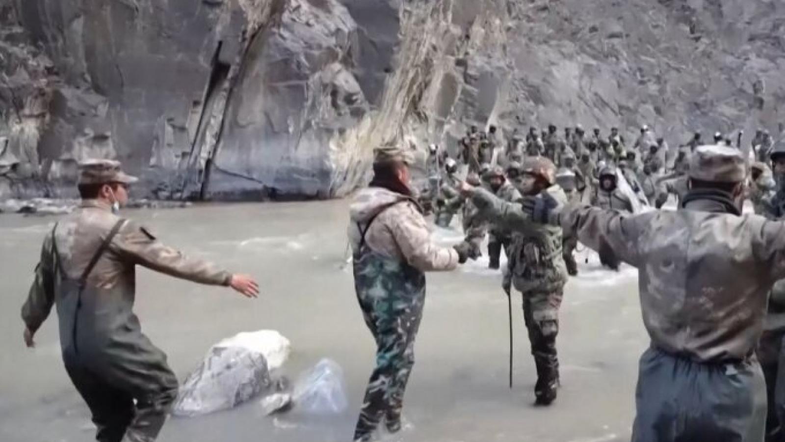 """Luật Bảo vệ biên giới mới của Trung Quốc khiến Ấn Độ như """"ngồi trên lửa"""""""