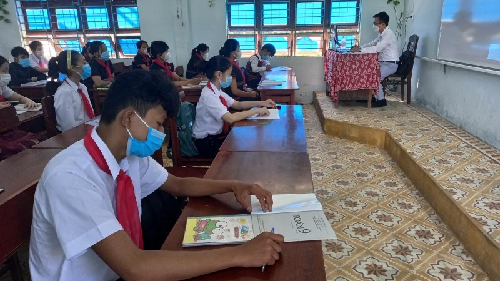 Học sinh Đà Nẵng háo hức ngày đầu trở lại trường học trực tiếp