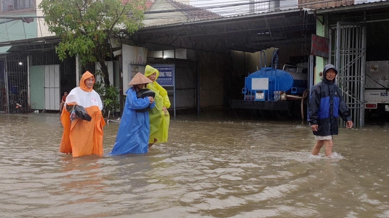 Mưa lớn kéo dài, ngập lụt trên diện rộng ở Quảng Nam