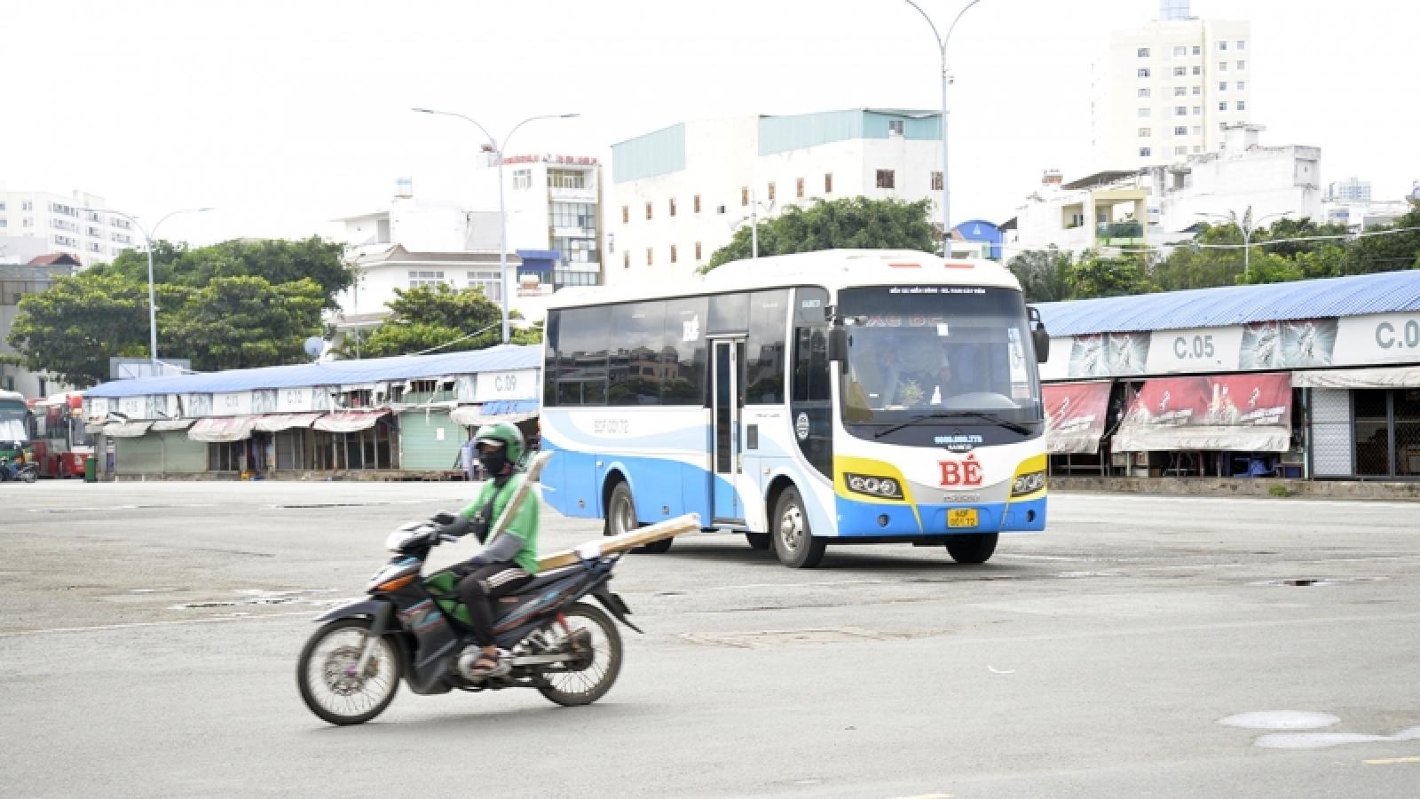 TP.HCM siết chặt vận tải liên tỉnh sau khi có nhà xe đón F0 dọc đường