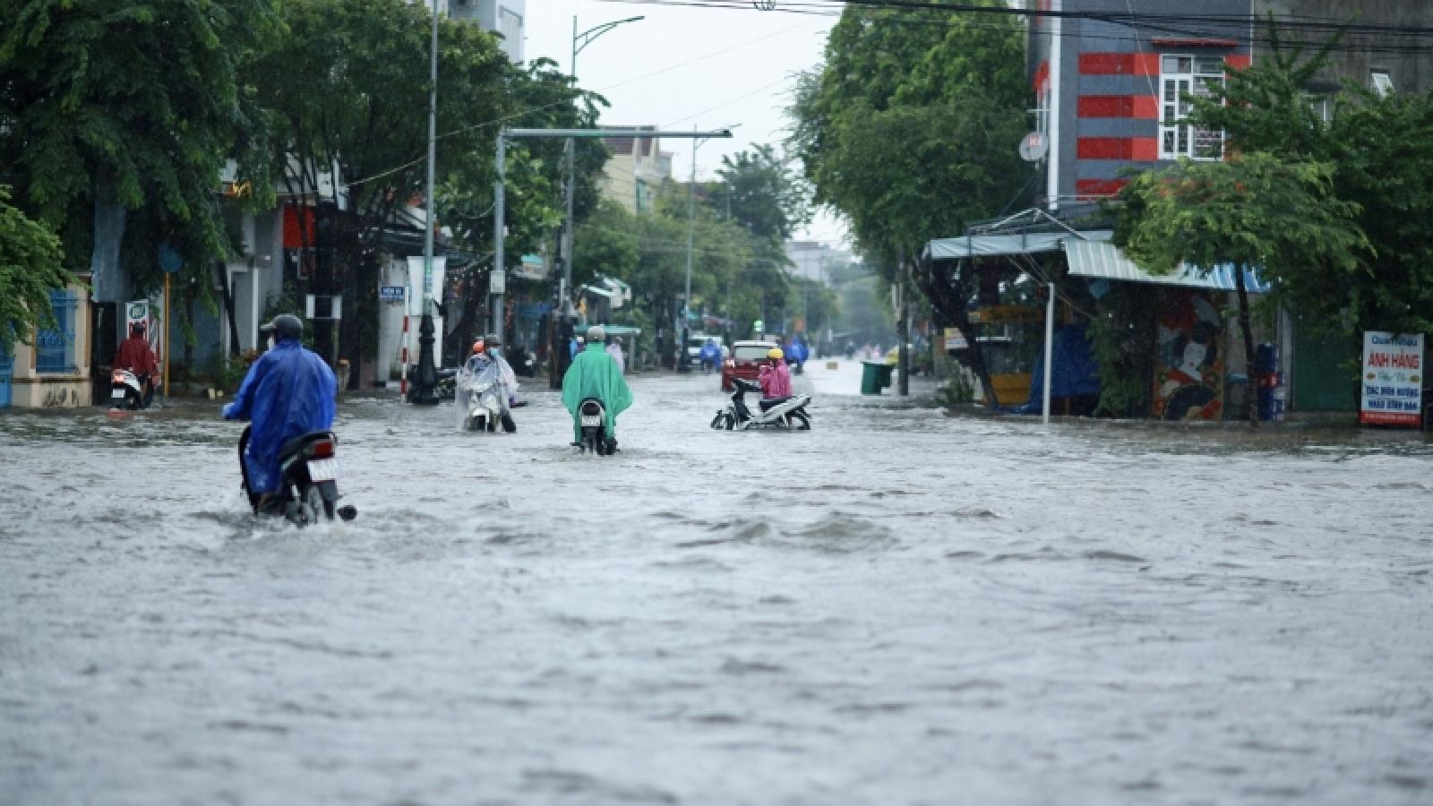 Mưa lũ lớn gây ngập vùng trũng thấp, một người mất tích ở Quảng Ngãi
