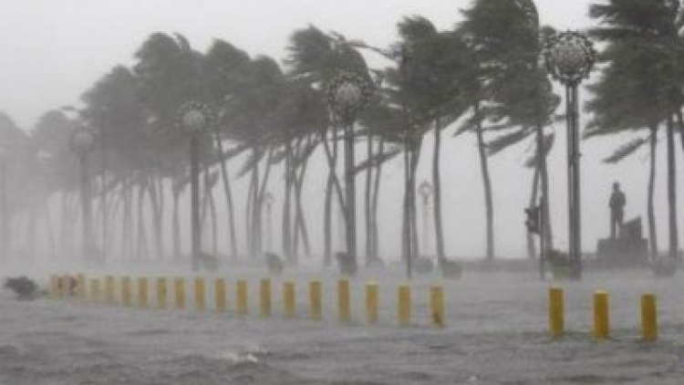 Central Vietnam gears up for heavy rain as tropical storm likely to turn into storm