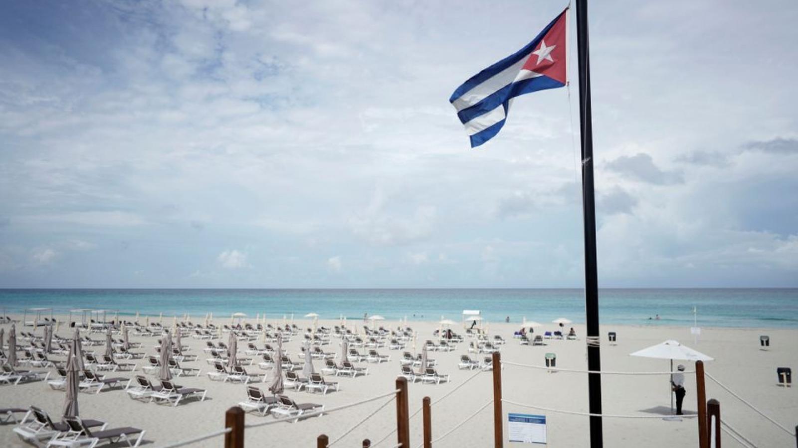 Cuba mở cửa biên giới và nới lỏng yêu cầu về nhập cảnh để đón khách du lịch