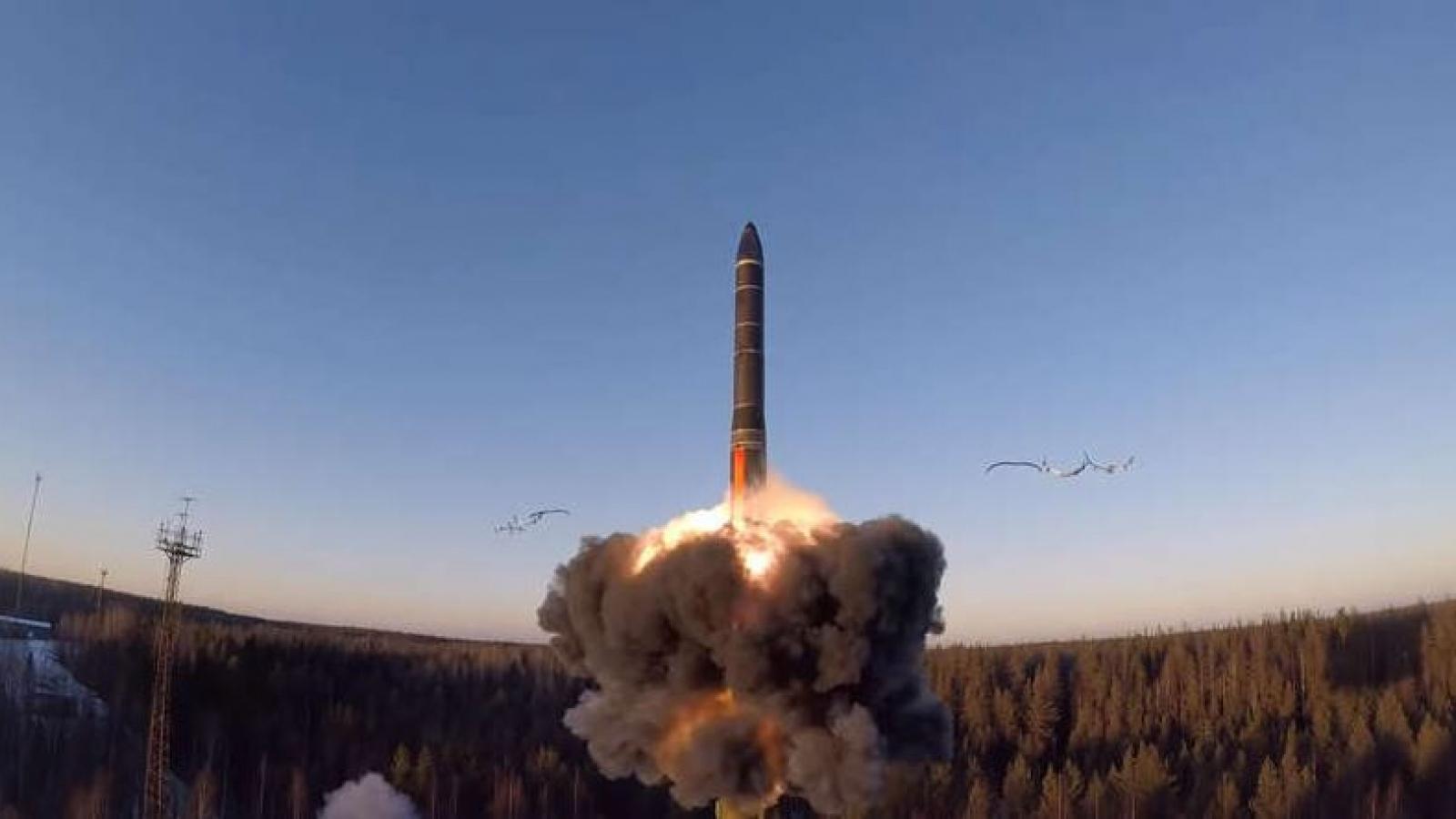"""Nga – Mỹ tiết lộ kho hạt nhân giữa bối cảnh quan hệ Nga – NATO """"rơi tự do"""""""