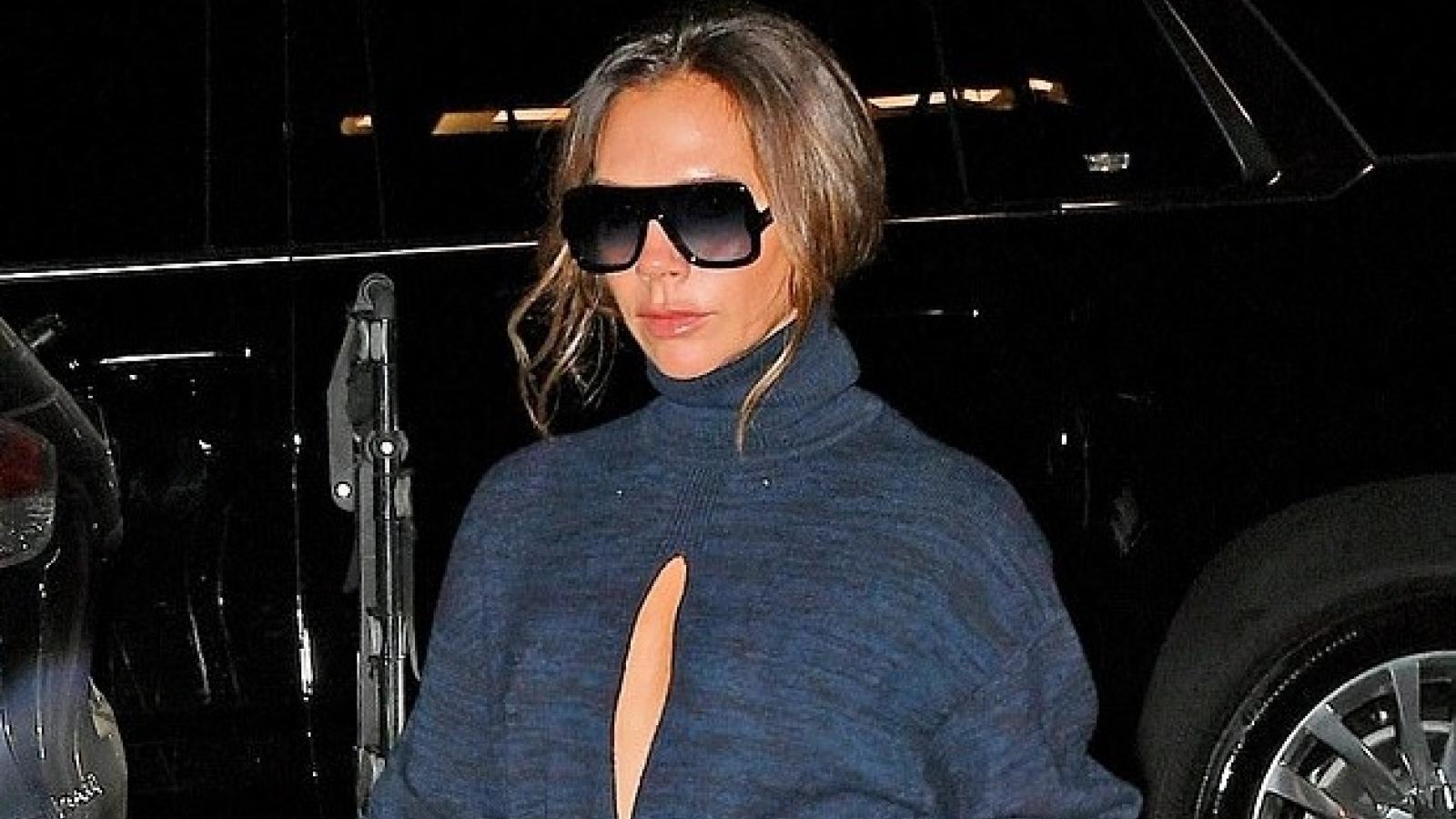Victoria Beckham ra phố với trang phục cut-out gợi cảm