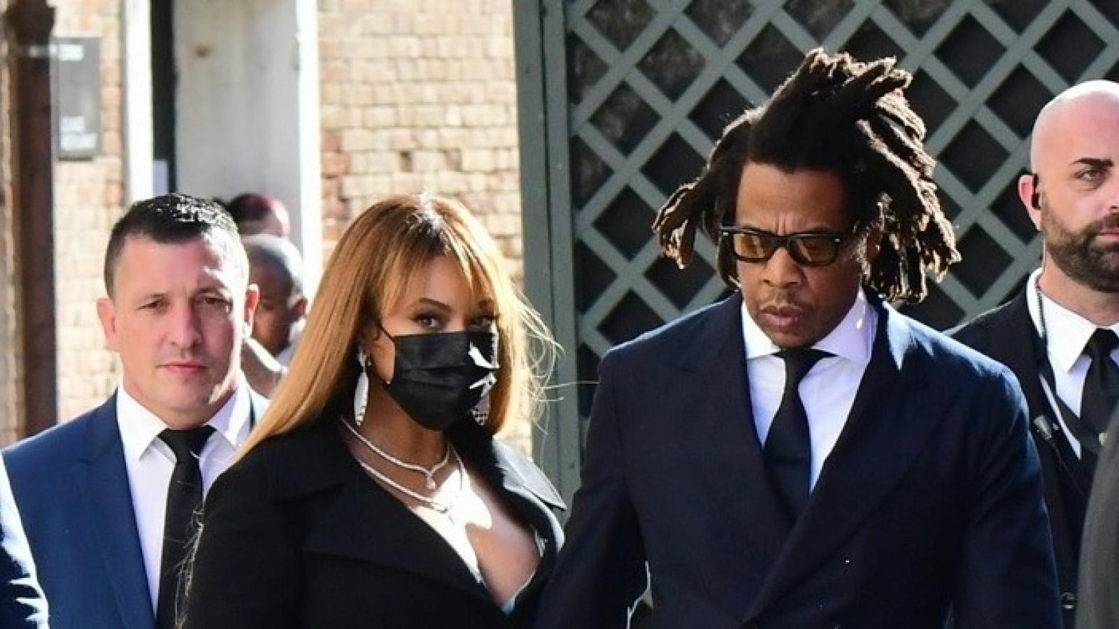 Vợ chồng Beyonce - Jay Z tình tứ dự tiệc cưới ở Italy