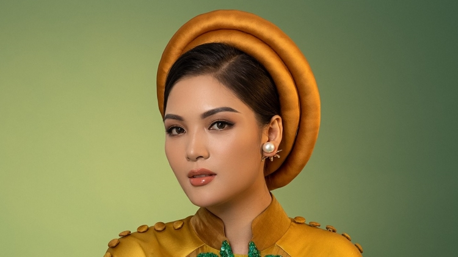 Đại diện Việt Nam tại Miss Earth 2021 quảng bá nét đẹp của áo dài trong phần dự thi