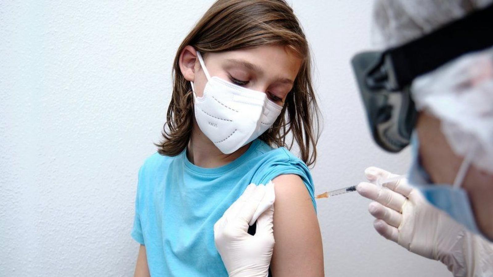 Vì sao vaccine Covid-19 cho trẻ em 5-11 tuổi có liều lượng ít hơn?