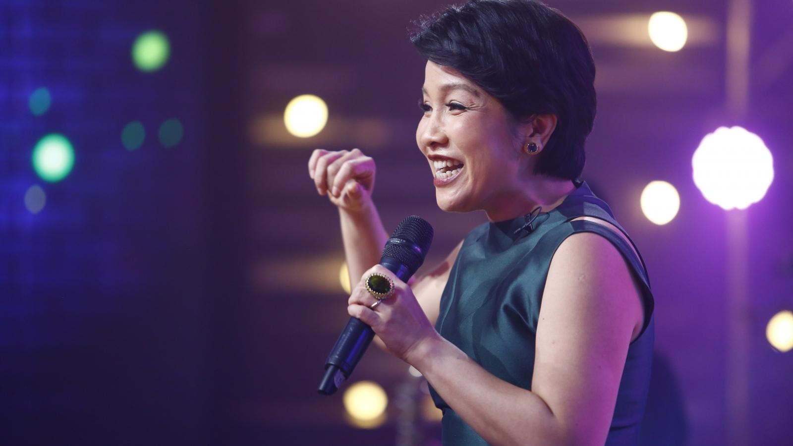 Diva Mỹ Linh: Mỗi lần ra album là muốn ly dị chồng