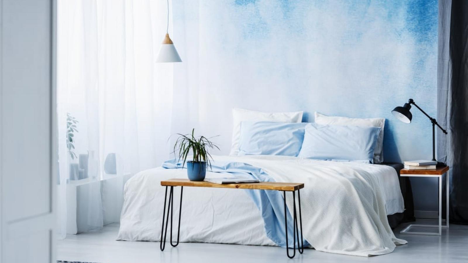 4 cách sử dụng giấy dán tường để tạo ra một phòng ngủ mới mẻ