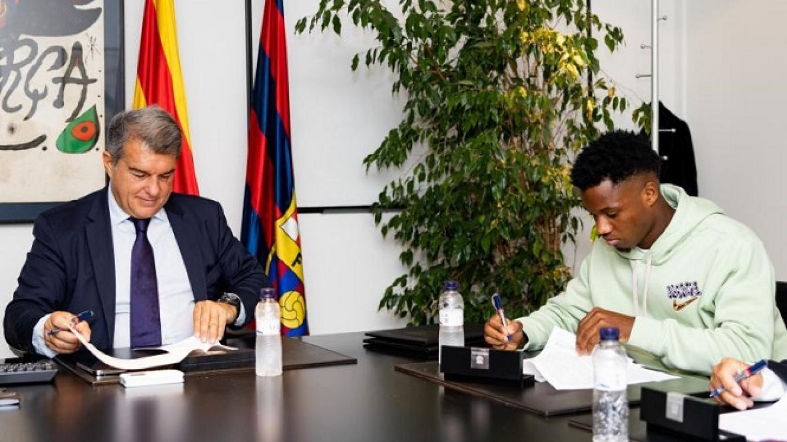Barca gia hạn hợp đồng với Ansu Fati, điều khoản giải phóng 1 tỷ Euro