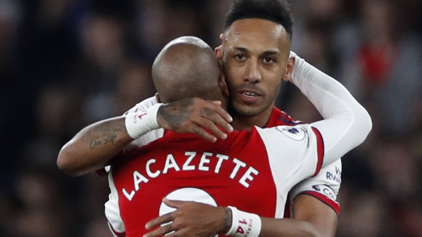 Biếm họa 24h: Arsenal san bằng điểm số với MU