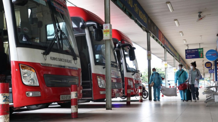 HCM City's largest coach station on first day of resuming services