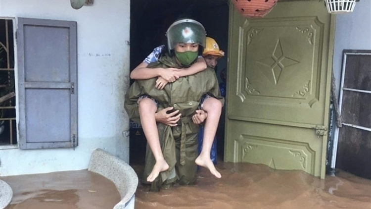 Flooding turns life upside down for residents in central Vietnam