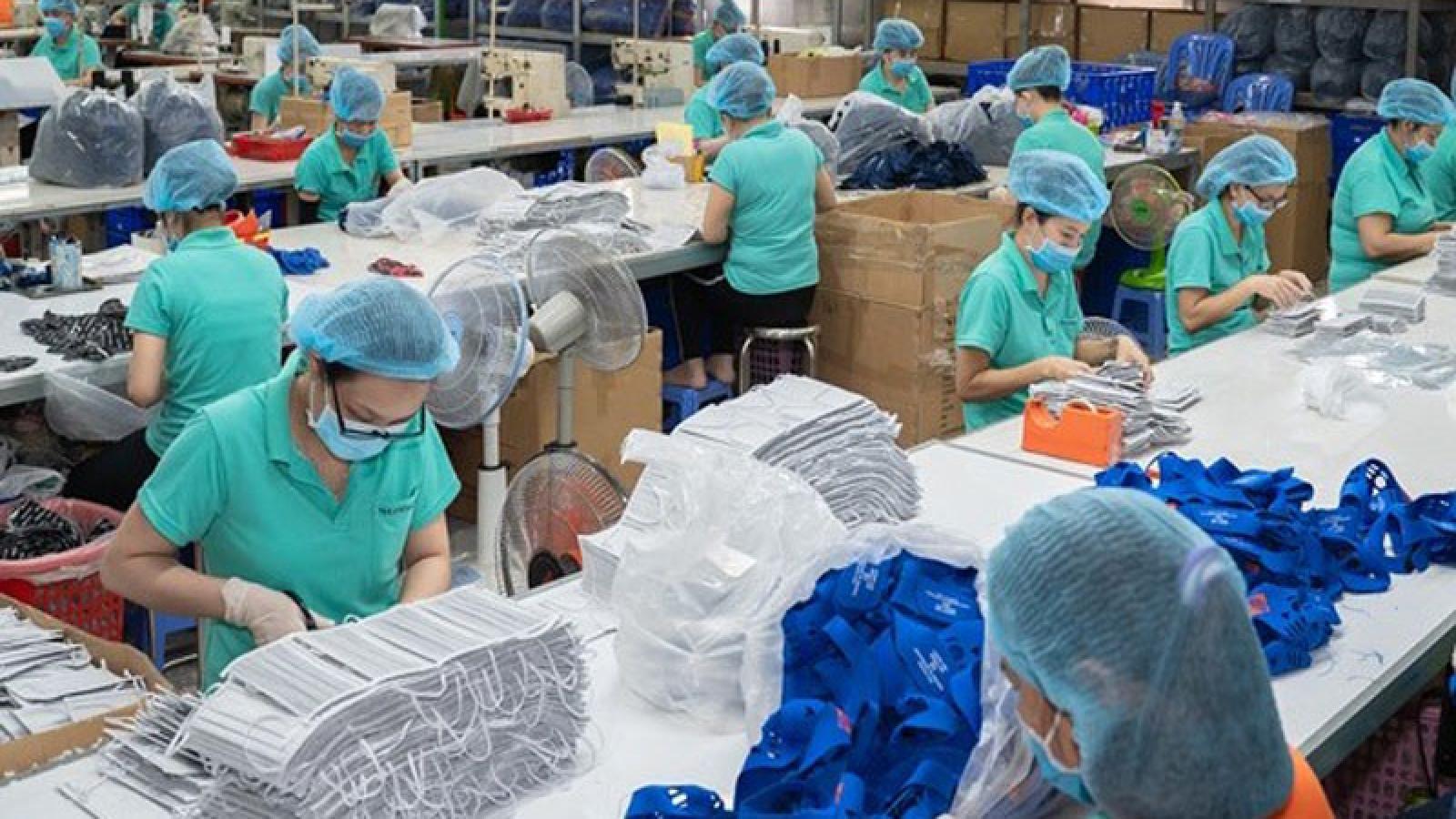 Medical mask exports maintain upward trend