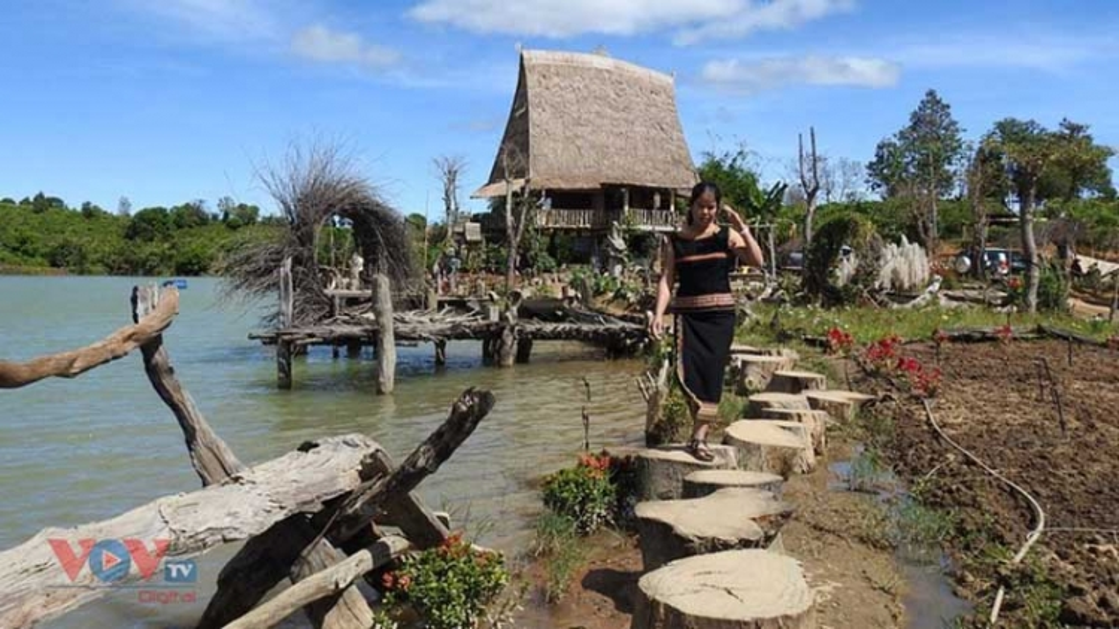 Central Highland village prospers from community-based tourism