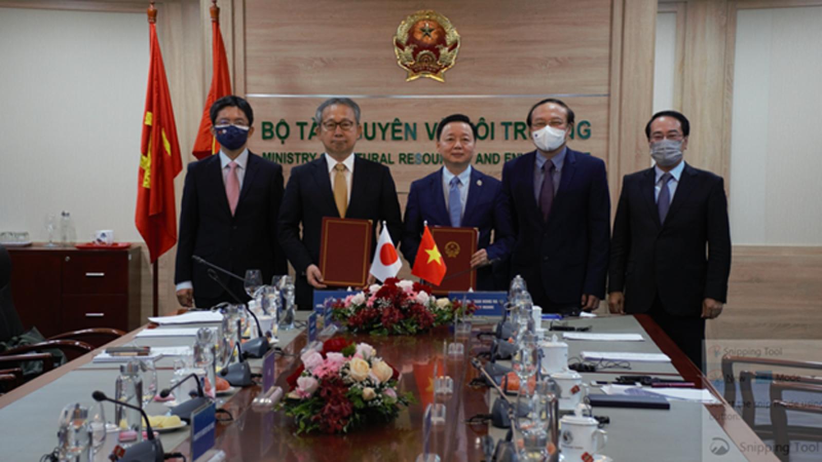 Vietnam, Japan sign MoU on low-carbon growth