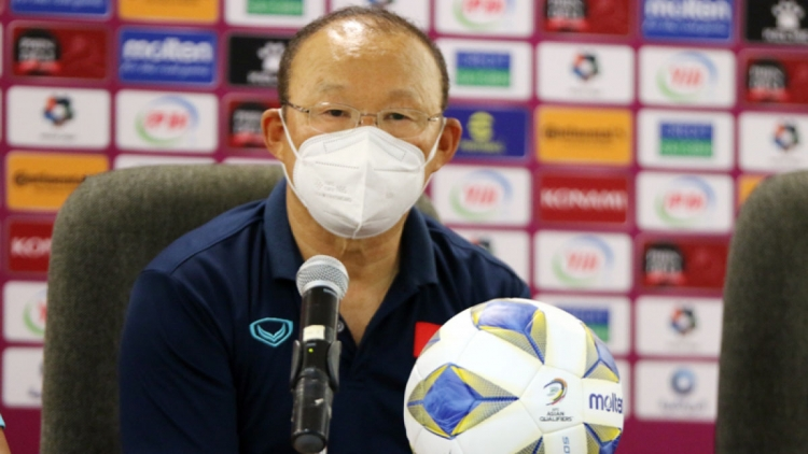 Coach Park flies to UAE to prepare for Vietnam's Asian Cup qualifier