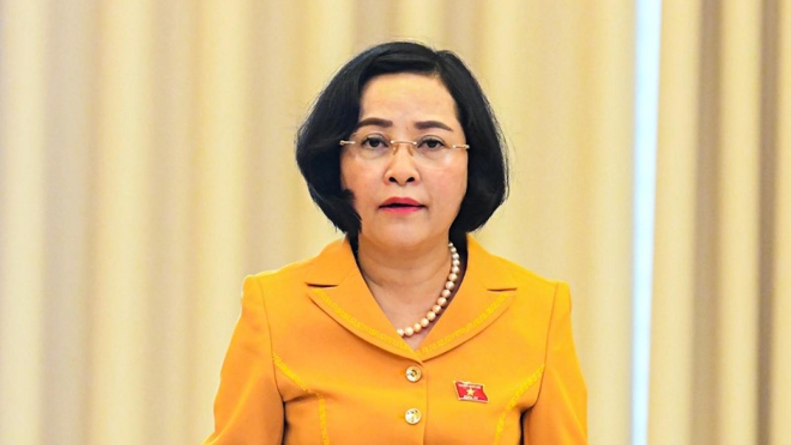 """Bà Nguyễn Thị Thanh: """"Có những nghị quyết của Quốc hội phải ký vào ban đêm"""""""