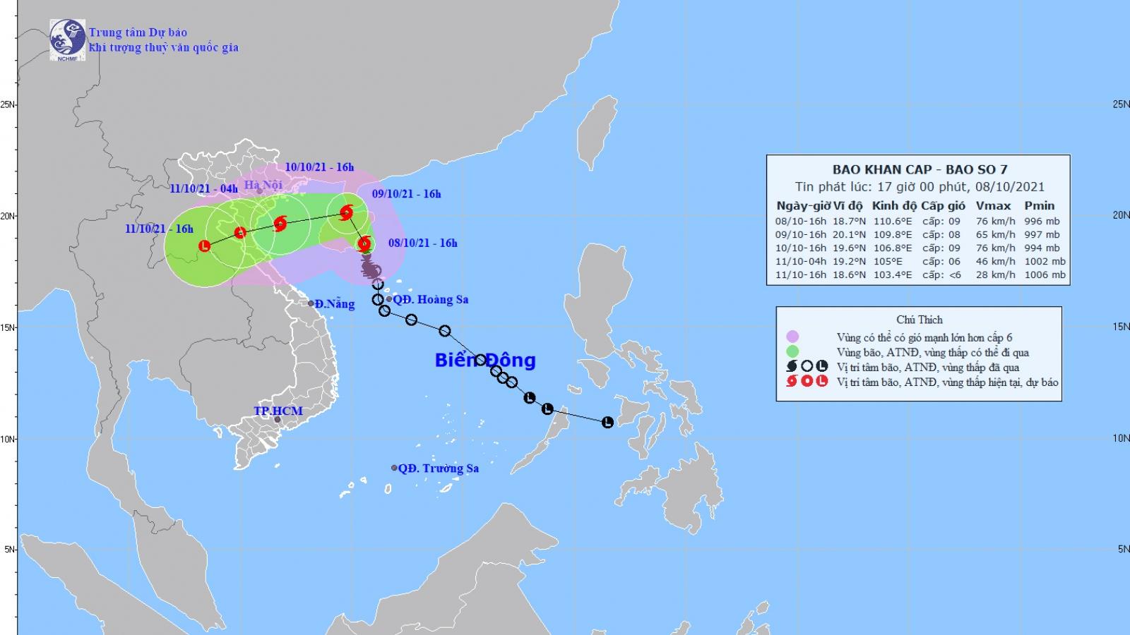 Bão số 7 giật cấp 11, trên vùng biển phía Đông Nam đảo Hải Nam (Trung Quốc)