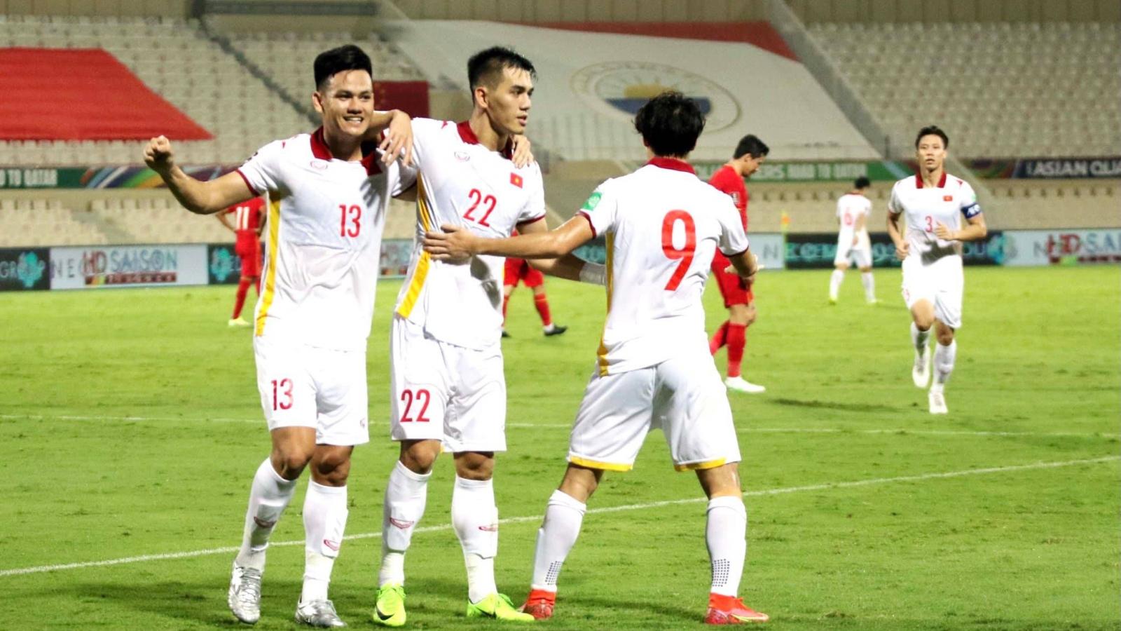 Dàn sao ĐT Việt Nam quên đi thất bại trước ĐT Trung Quốc, hướng đến trận gặp Oman