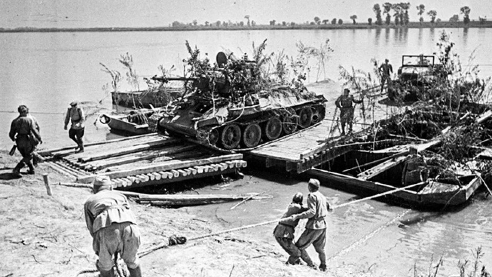 10 đòn sấm sét của Hồng quân giúp giải phóng gần như toàn bộ Liên Xô khỏi Đức Quốc xã