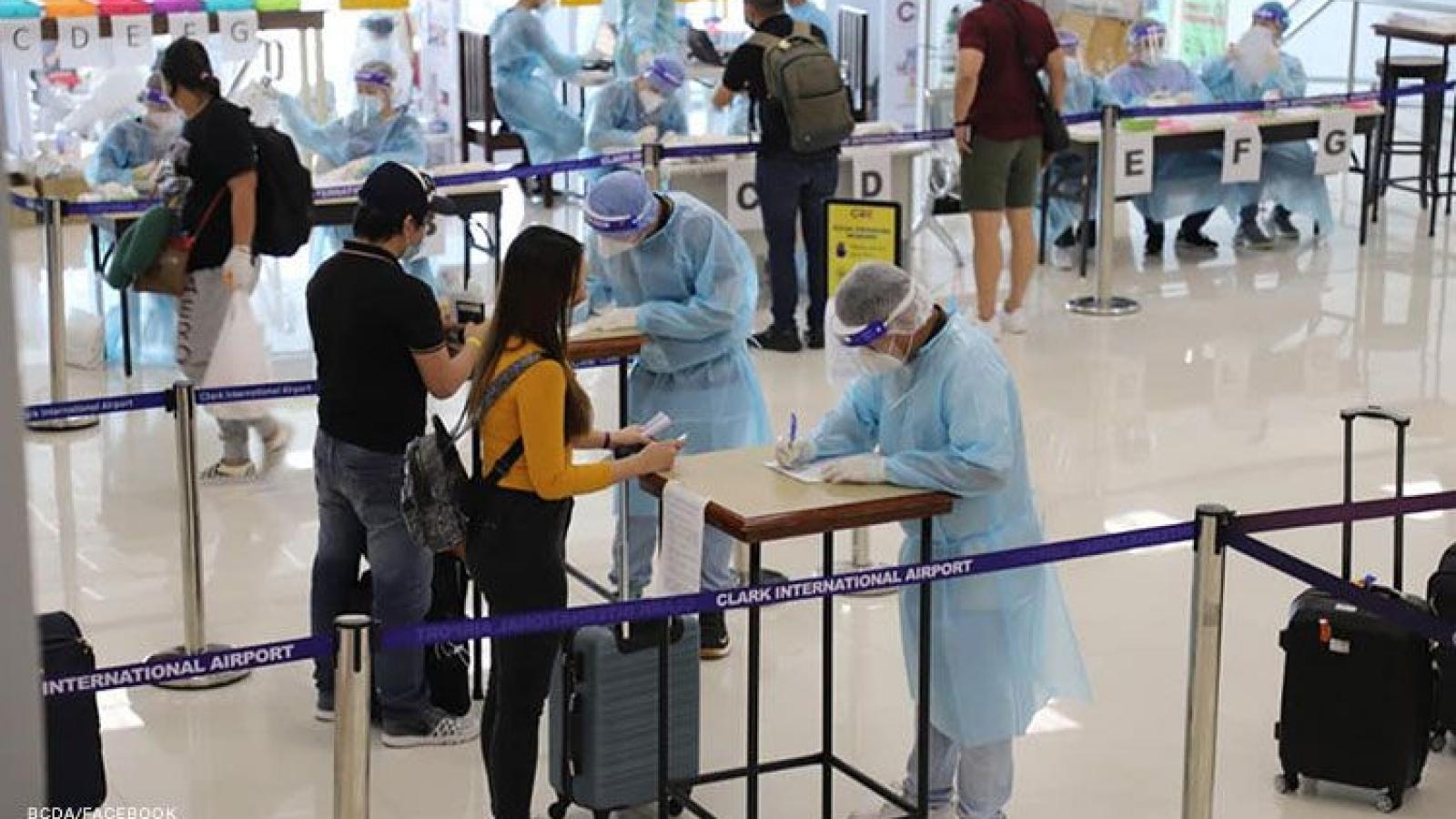 Indonesia và Philippines rút ngắn thời gian cách ly cho du khách