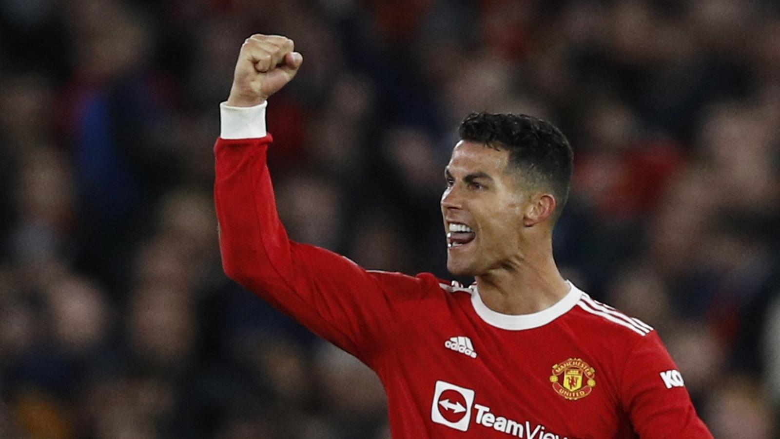"""Ronaldo tỏa sáng """"cứu"""" MU ở Champions League, HLV Solskjaer nói điều bất ngờ"""