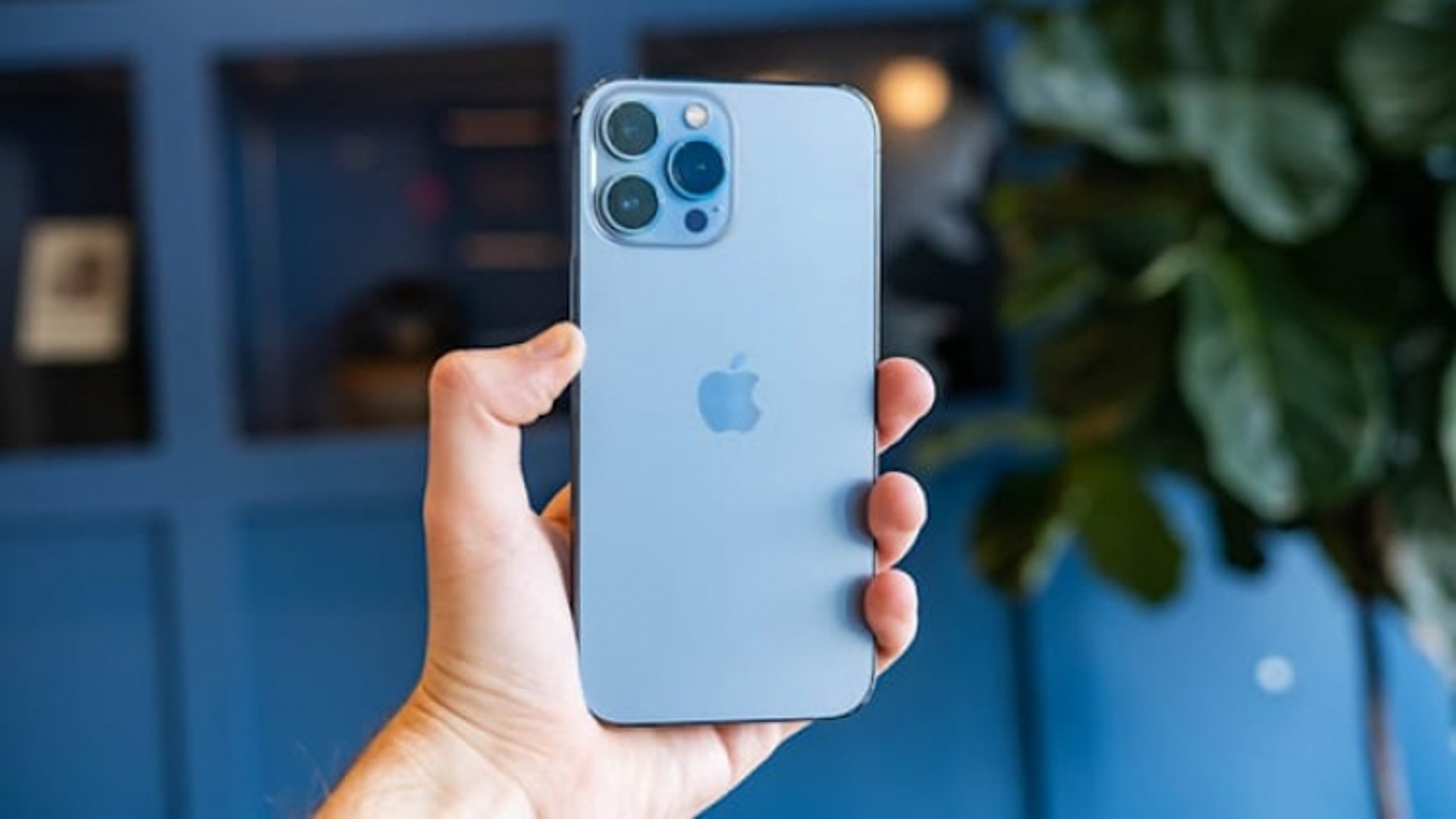 iPhone 13 chính hãng mở bán tại Việt Nam