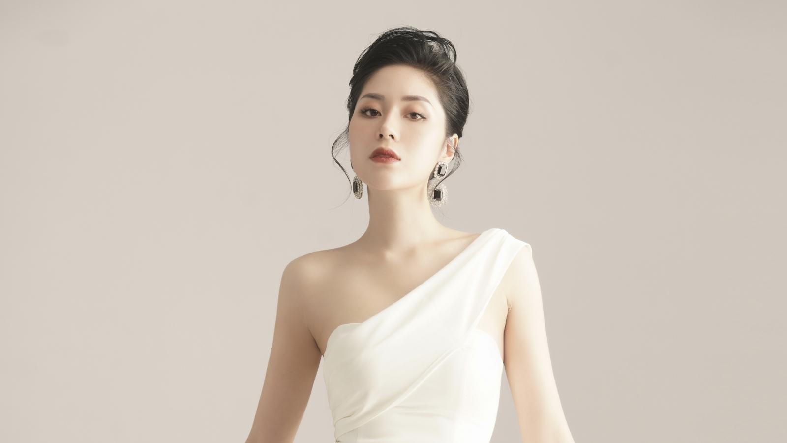 """Hoa hậu Tô Diệp Hà: """"Tôi tự biến mình thành đại gia, khỏi mất công đi tìm"""""""