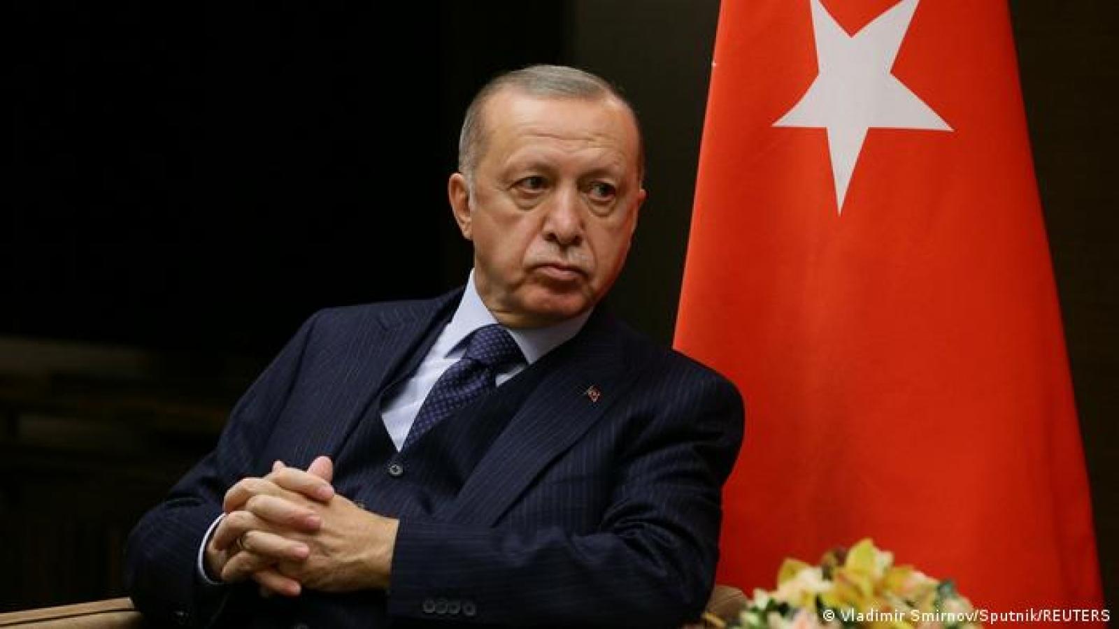 Tổng thống Thổ Nhĩ Kỳ nổi giận với đại sứ 10 nước