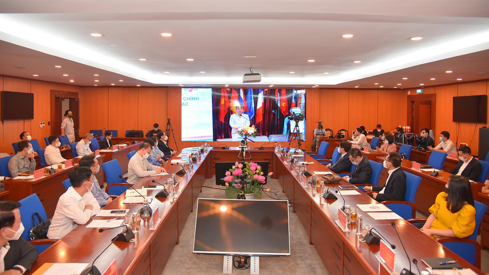 Giải quyết nghẽn lệnh HoSE, 2 Tập đoàn được Bộ trưởng Bộ Tài chính tặng bằng khen