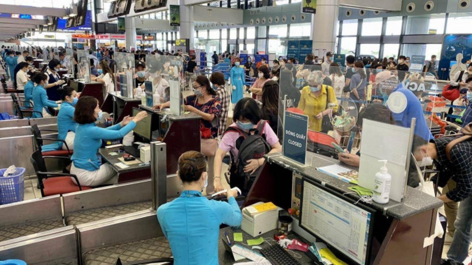 Kiến nghị nới lỏng điều kiện để khách chưa tiêm vaccineđược đi máy bay