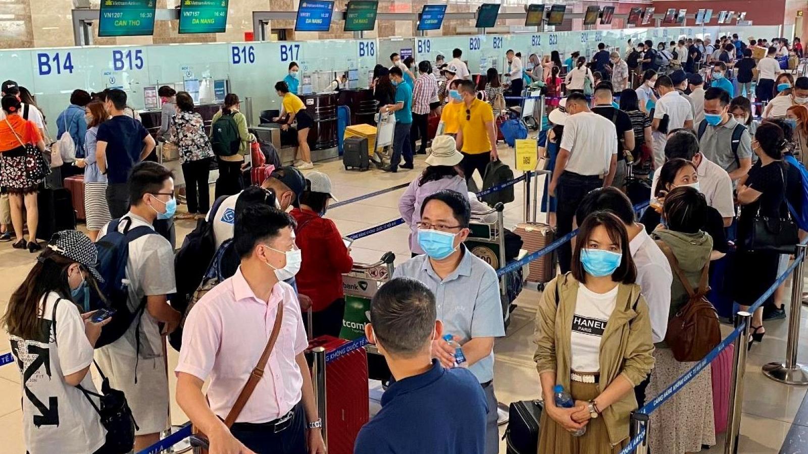 """Vẫn phải chờ cái """"gật đầu"""" của các địa phương để mở lại đường bay nội địa"""