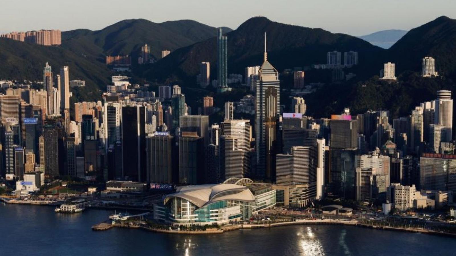 Covid-19 đe dọa làm suy yếu vị thế trung tâm tài chính của Hong Kong (Trung Quốc)