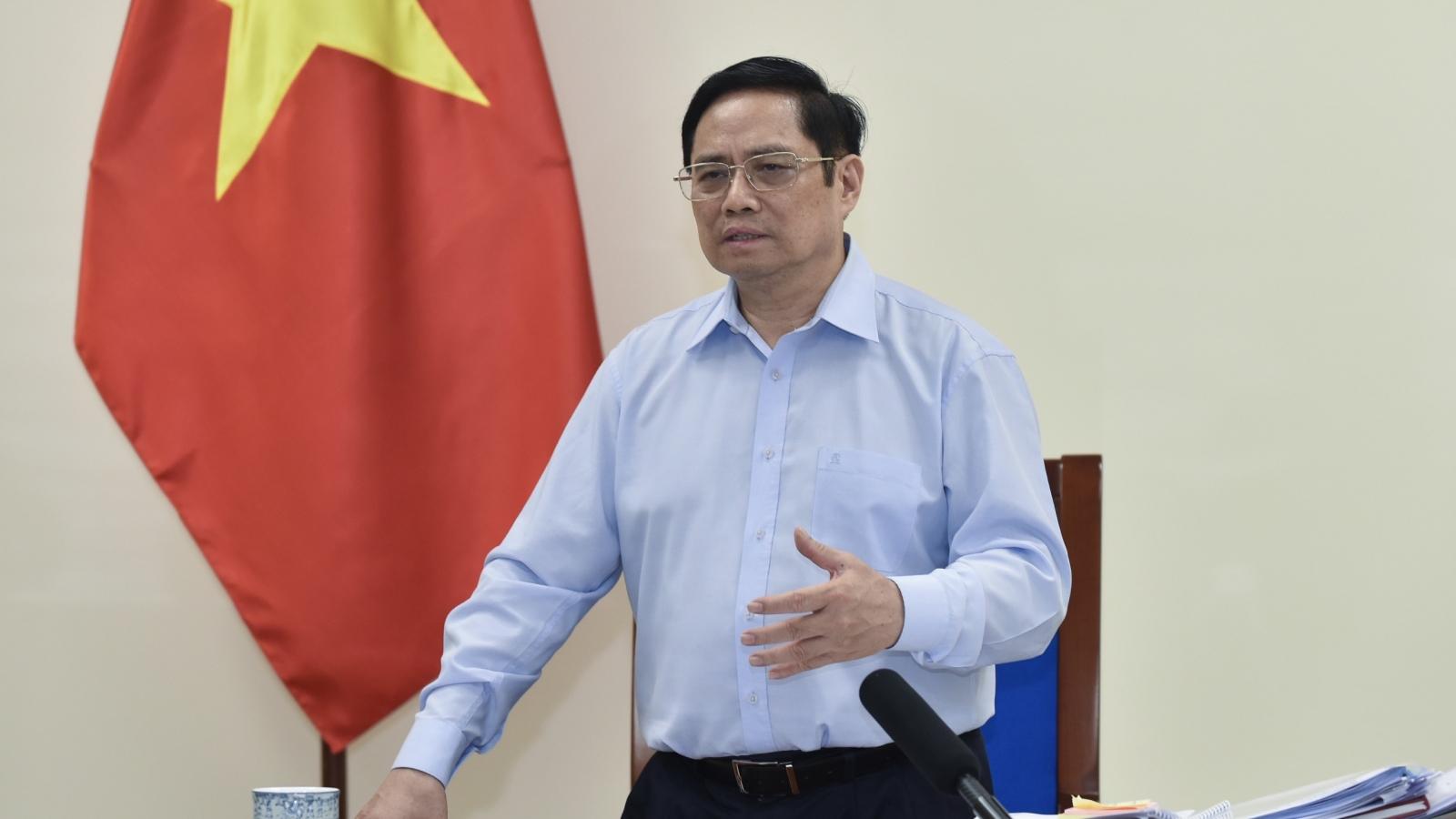 Thủ tướng làm việc trực tuyến với lãnh đạo tỉnh Phú Thọ, Sóc Trăng, Cà Mau