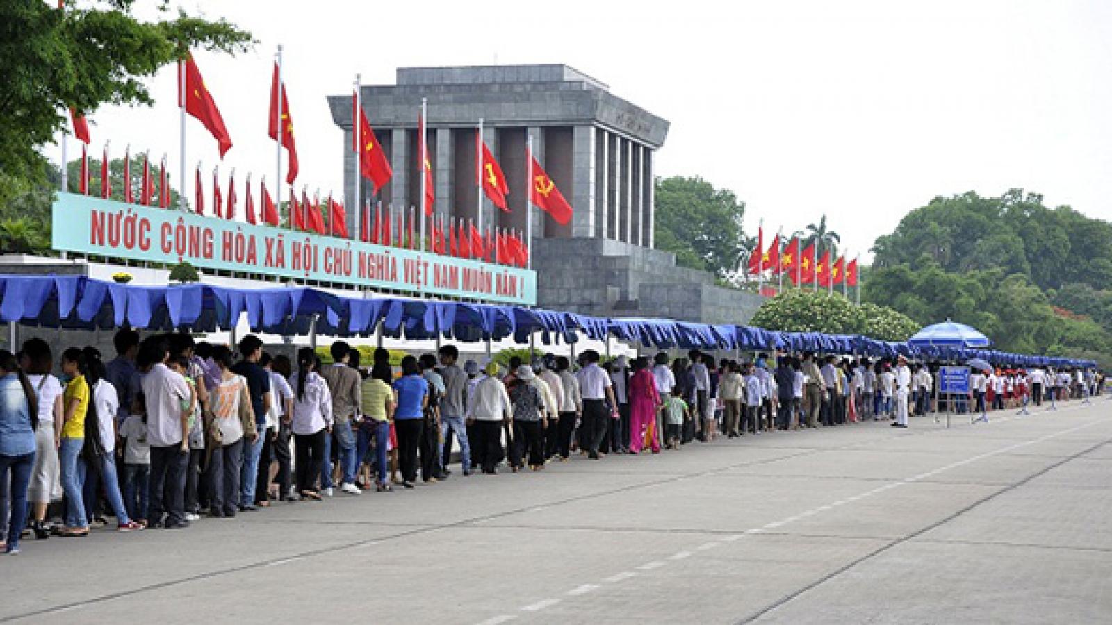 Từ ngày 30/10, tiếp tục tổ chức đón nhân dân vào Lăng viếng Chủ tịch Hồ Chí Minh