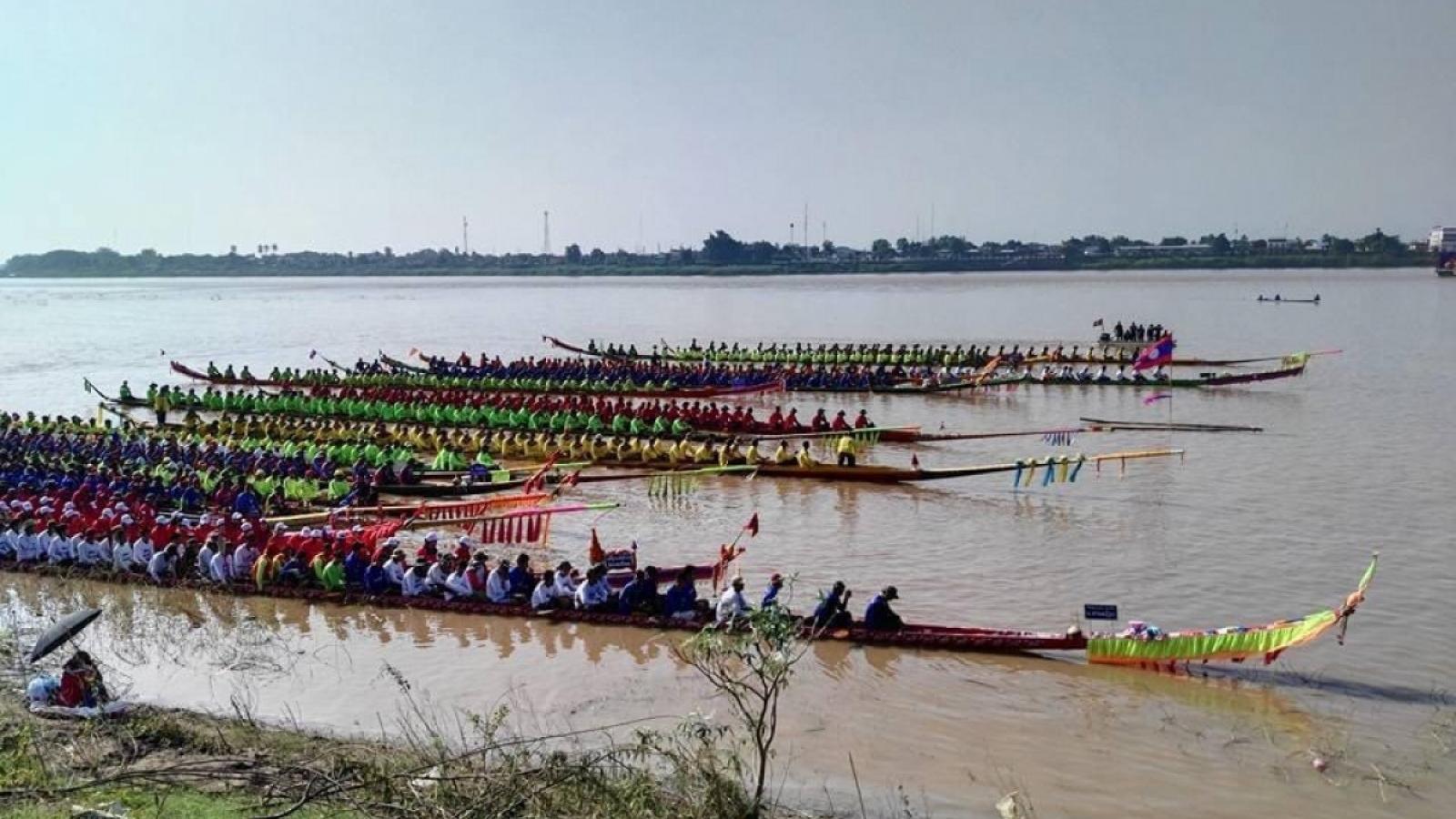 Lào hoãn tổ chức lễ hội đua thuyền truyền thống 2021 vì Covid-19