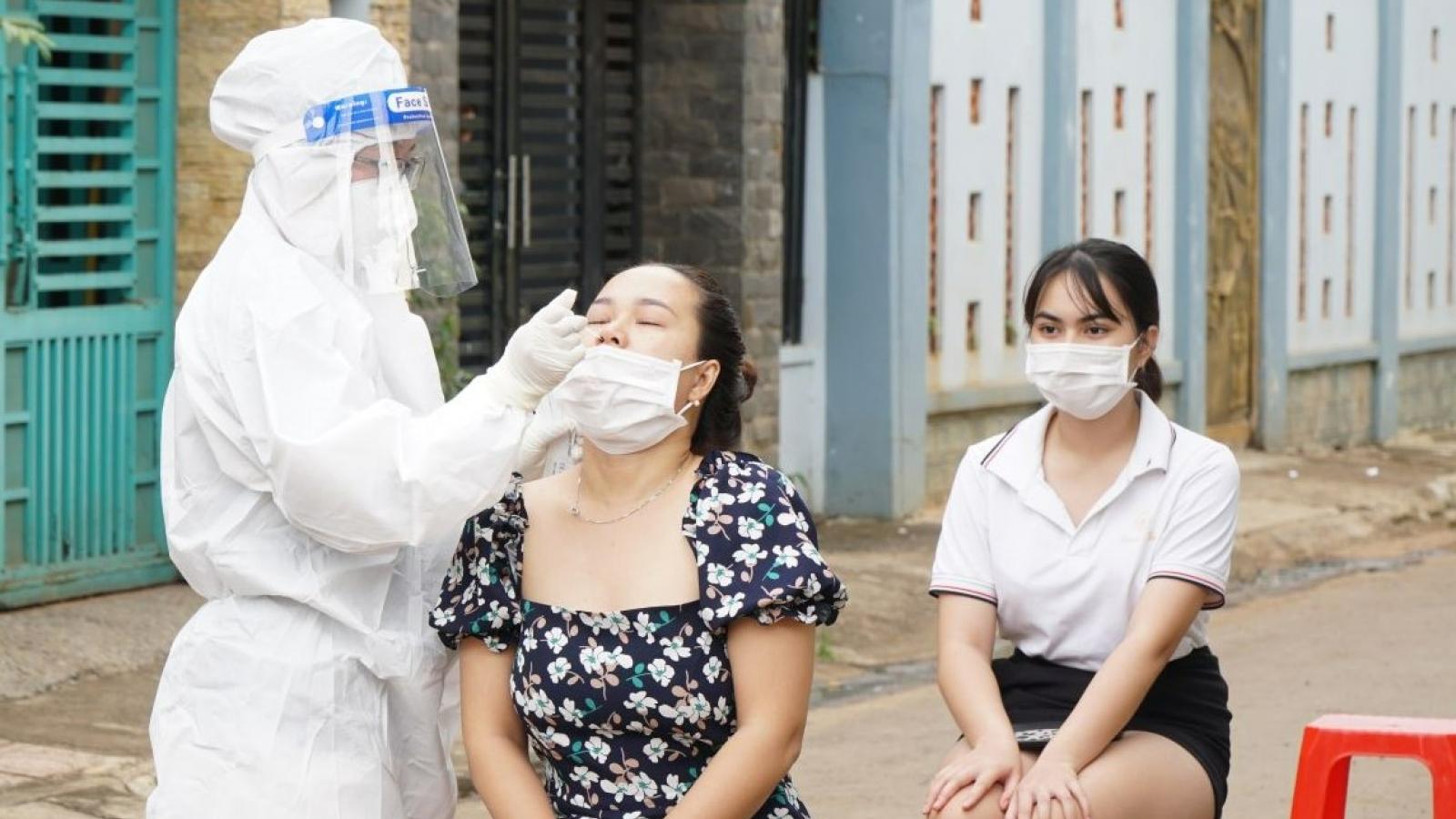 Buôn Ma Thuột siết chặt các biện pháp phòng chống dịch Covid-19 khi số ca bệnh tăng nhanh