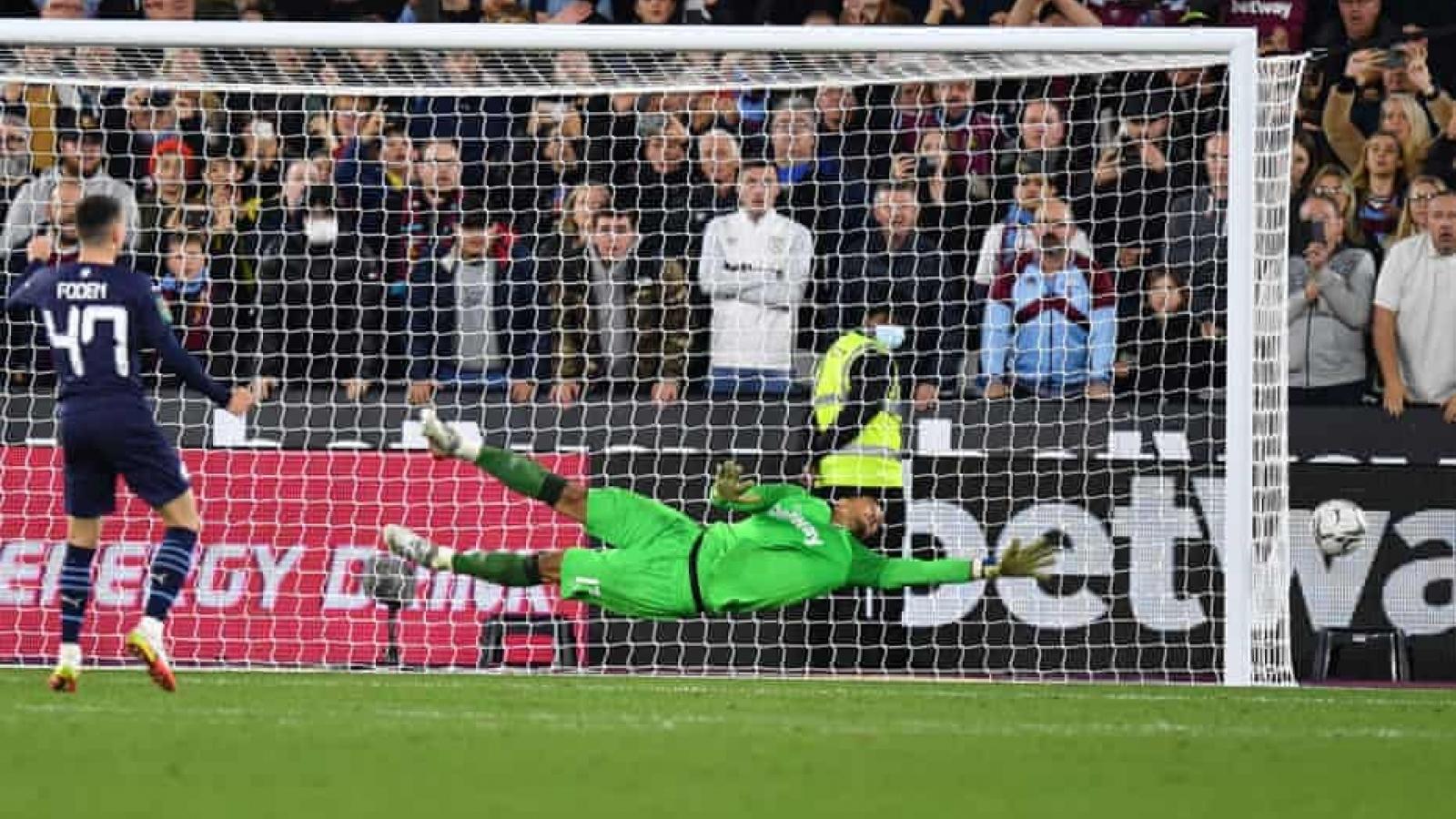 Man City thành cựu vô địch, Liverpool vào tứ kết Cúp Liên đoàn Anh