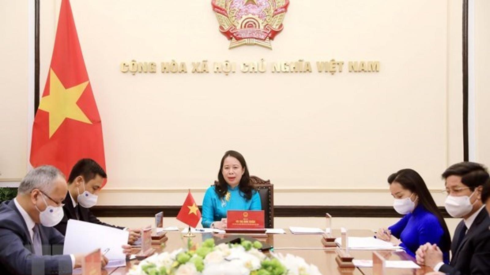 Vietnamese, Nigerian Vice Presidents hold phone talks