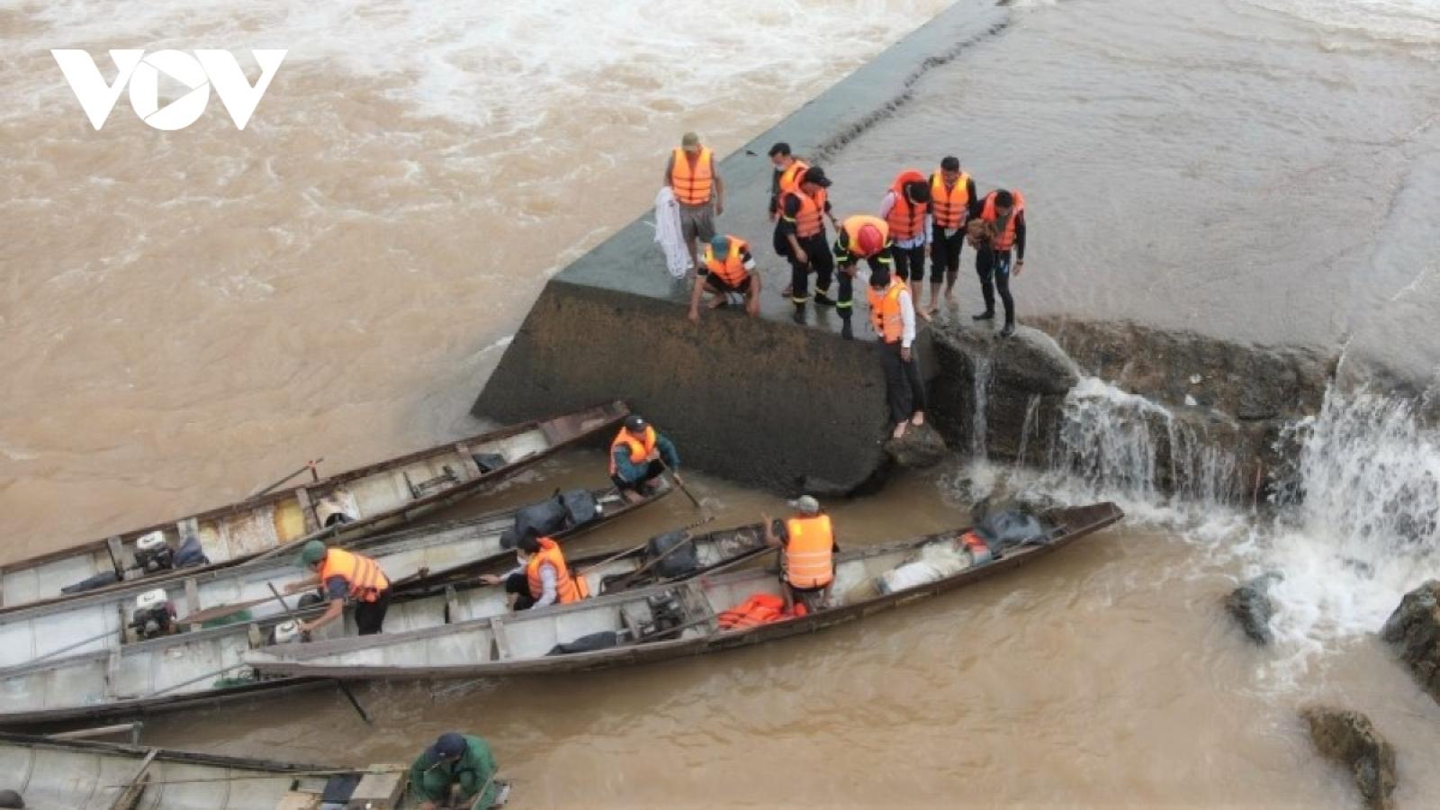5 người chết, 1 người mất tích do mưa lũ ở miền Trung
